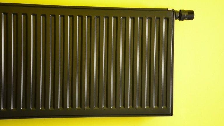 comment poser un radiateur lectrique un blog d 39 inspiration pour la maison. Black Bedroom Furniture Sets. Home Design Ideas