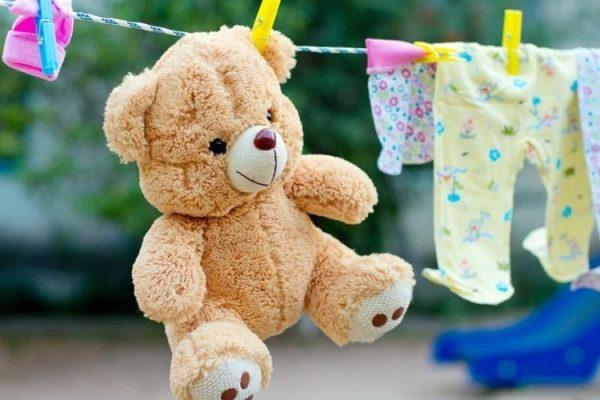 Comment nettoyer les jouets pour bébés – Conseils simples et efficaces